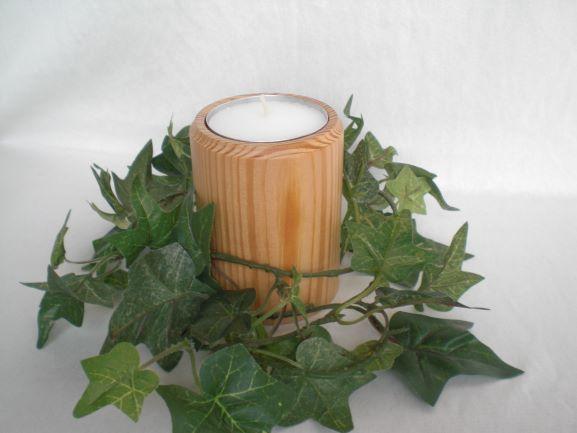 Kleinesbild - gedrechselter Teelichthalter aus Holz für Jumbo-Teelichter