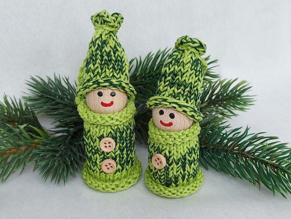 - 2 kleine Wichtel, gedrechselt und bestrickt in grün, 10 und 9 cm, kaufen - 2 kleine Wichtel, gedrechselt und bestrickt in grün, 10 und 9 cm, kaufen