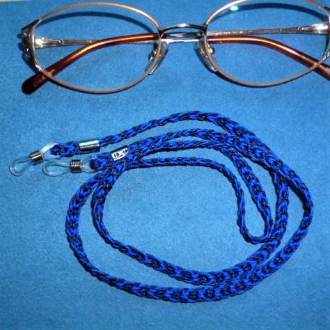 - Handgeflochtenes Brillenband  aus Schmuckkordel in dunkelblau - Geschenkidee für Frauen und Männer -  - Handgeflochtenes Brillenband  aus Schmuckkordel in dunkelblau - Geschenkidee für Frauen und Männer -