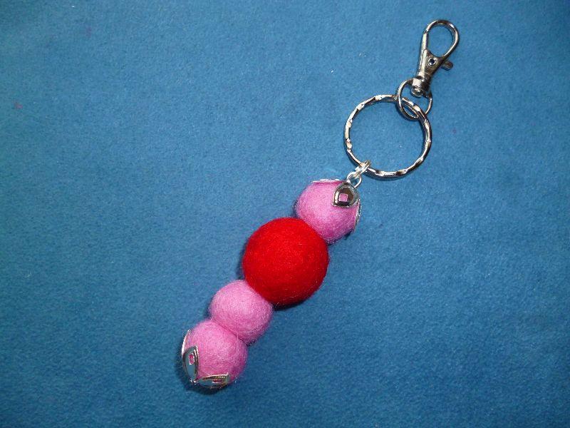 - *Schlüsselanhänger* aus Filzkugeln in rosa-rot -  Geschenk für Frauen - (Kopie id: 100266230) - *Schlüsselanhänger* aus Filzkugeln in rosa-rot -  Geschenk für Frauen - (Kopie id: 100266230)
