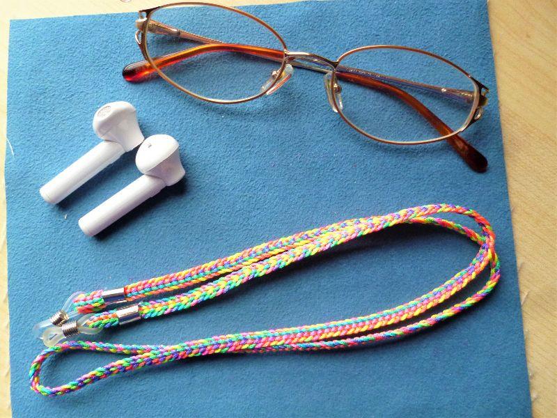 - Handgeflochtenes Brillenband  aus Schmuckkordel für Sonnenbrillen, Lesebrillen und kabellose Kopfhörer - Handgeflochtenes Brillenband  aus Schmuckkordel für Sonnenbrillen, Lesebrillen und kabellose Kopfhörer