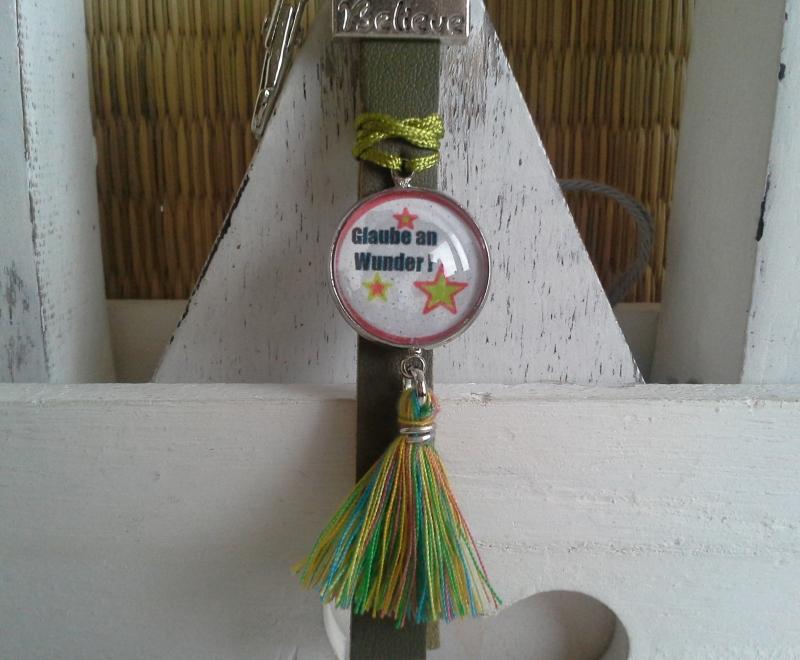 Kleinesbild - Schlüsselanhänger ★ Glaube an Wunder ★ ♡ , aus Kunstleder mit Cabochon-Anhänger