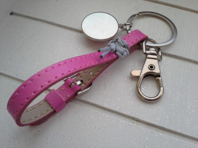 Kleinesbild - Schlüsselanhänger ★Pink Lady★ ♡ , aus Kunstleder mit Initialenanhänger