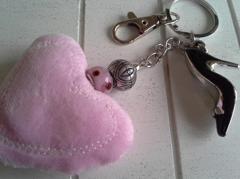 Kleinesbild - Schlüsselanhänger ★ Lady ★ ♡ , mit Herz-Kissen und High Heel-Anhänger