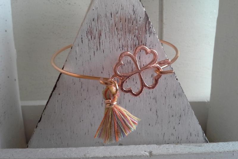- Armreif ♥ Kleeblatt ♥,  rosé ☆ aus Metall mit Quastenanhänger  - Armreif ♥ Kleeblatt ♥,  rosé ☆ aus Metall mit Quastenanhänger