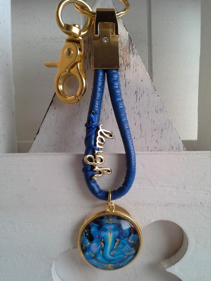 Kleinesbild - Schlüsselanhänger ★ Ganesha-Motiv ★ ♡ , aus Kunstlederband mit Cabochon-Anhänger