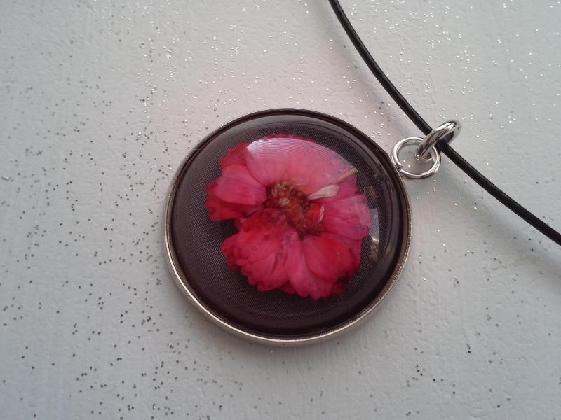 Kleinesbild - Halsreif ☀ Blume ☀,  ☆ mit Cabochon-Anhänger mit echter Blüte