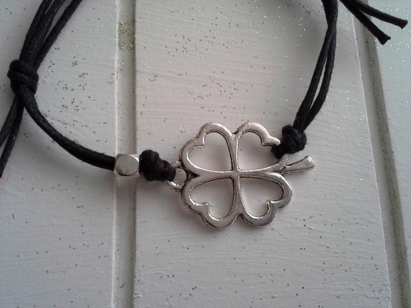 Kleinesbild - Armband ♥ Good Luck ♥,  mit Schmuckkarte, geknüpftes Armband mit Kleeblatt-Anhänger