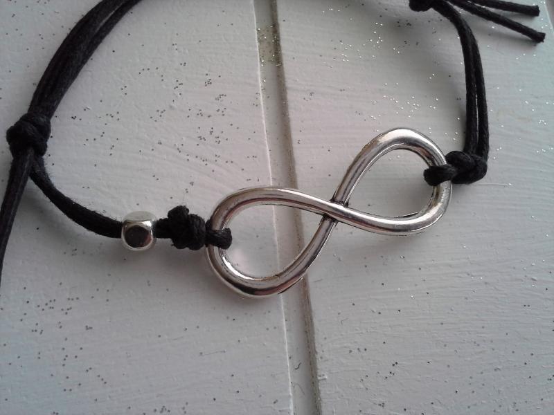 Kleinesbild - Armband ♥ Yin Yang ♥,  mit Schmuckkarte, geknüpftes Armband mit Infinity-Anhänger