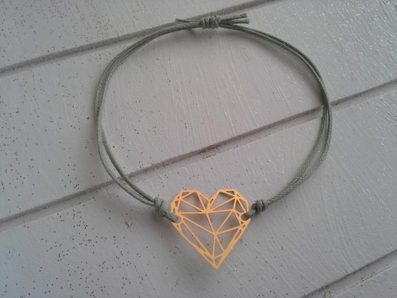 Kleinesbild - Armband ♥ Herz ♥, geknüpftes Armband mit filigranem Anhänger ☀ individualisierbar!