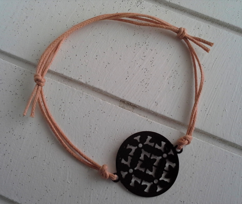 Kleinesbild - Armband ♥ Kreis ♥, geknüpftes Armband mit filigranem Anhänger ☀ individualisierbar!