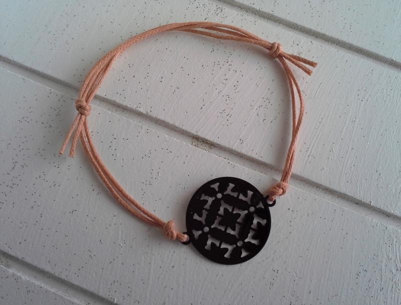- Armband ♥ Kreis ♥, geknüpftes Armband mit filigranem Anhänger ☀ individualisierbar! - Armband ♥ Kreis ♥, geknüpftes Armband mit filigranem Anhänger ☀ individualisierbar!
