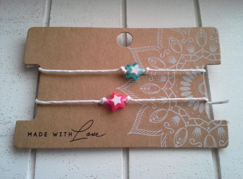 - Armband ♥ Stern ♥,  2 Stück mit Schmuckkarte, geknüpfte Armbänder mit Stern - Anhänger - Armband ♥ Stern ♥,  2 Stück mit Schmuckkarte, geknüpfte Armbänder mit Stern - Anhänger
