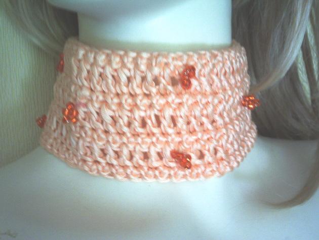 - Handgehäkeltes Halsband ♡ Damen aus Baumwolle in Lachsrosa mit orangefarbigen Rocailles kaufen - Handgehäkeltes Halsband ♡ Damen aus Baumwolle in Lachsrosa mit orangefarbigen Rocailles kaufen
