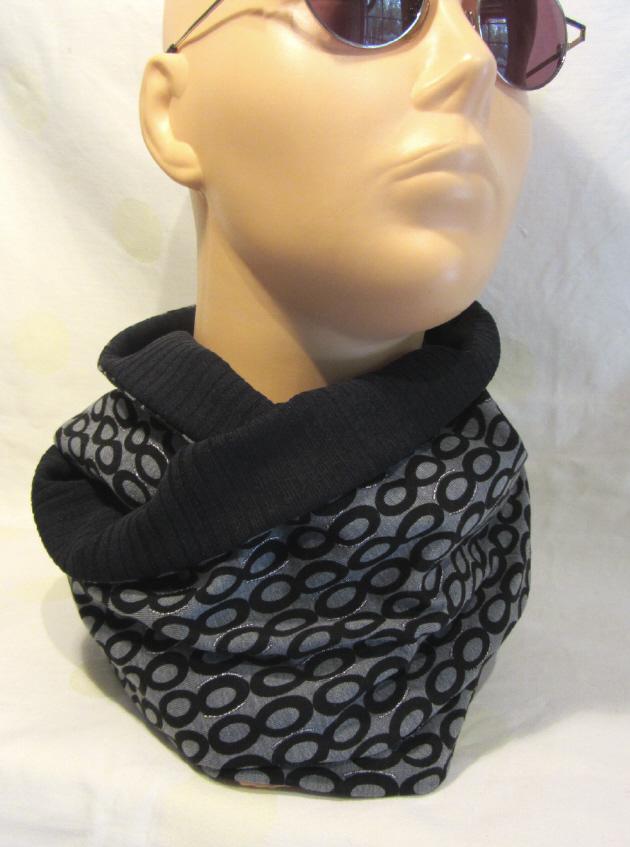 Kleinesbild - Rundschal ♡ Schlauchschal ♡ Männerschal handgefertigt aus Baumwolljersey und Viskosejersey in Schwarz Grau kaufen