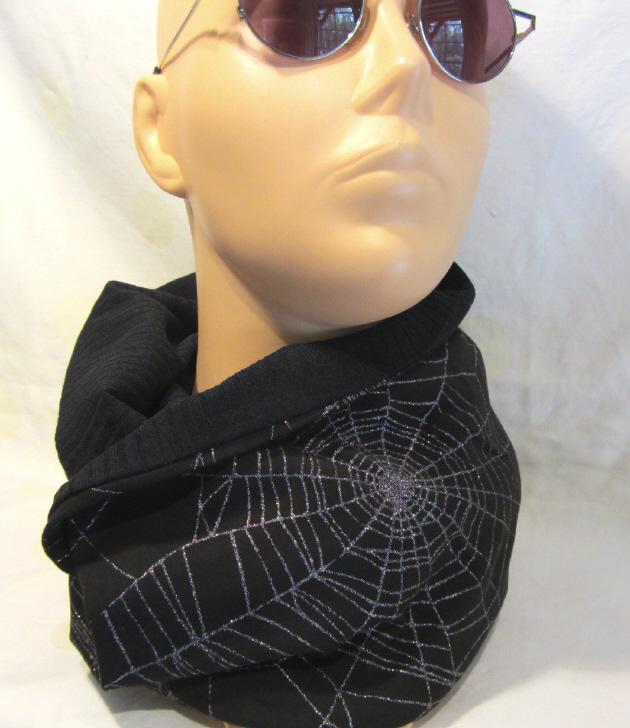 Kleinesbild - Handgefertigter Rundschal ♡ Schlauchschal ♡ Schal Männer aus Viskosejersey mit Spinnennetzprint kaufen