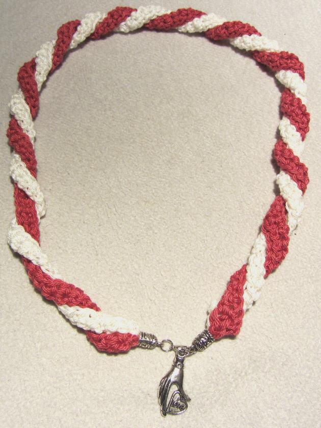 Kleinesbild - Handgehäkeltes Wickelarmband ♡ Damen aus Baumwolle in Rot und Creme kaufen