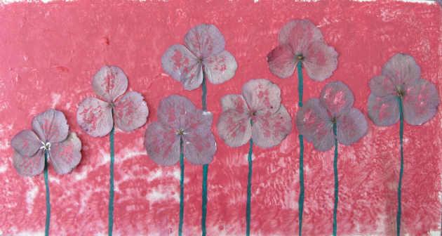 - Handgefertigte Acrylbild Collage mit echten Hortensienblüten gemalt und gestaltet auf Pappe direkt von der Künstlerin kaufen - Handgefertigte Acrylbild Collage mit echten Hortensienblüten gemalt und gestaltet auf Pappe direkt von der Künstlerin kaufen
