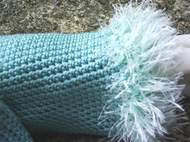 Kleinesbild - Handgehäkelte Armstulpen Stulpen gehäkelt aus Baumwolle in Mintgrün kaufen