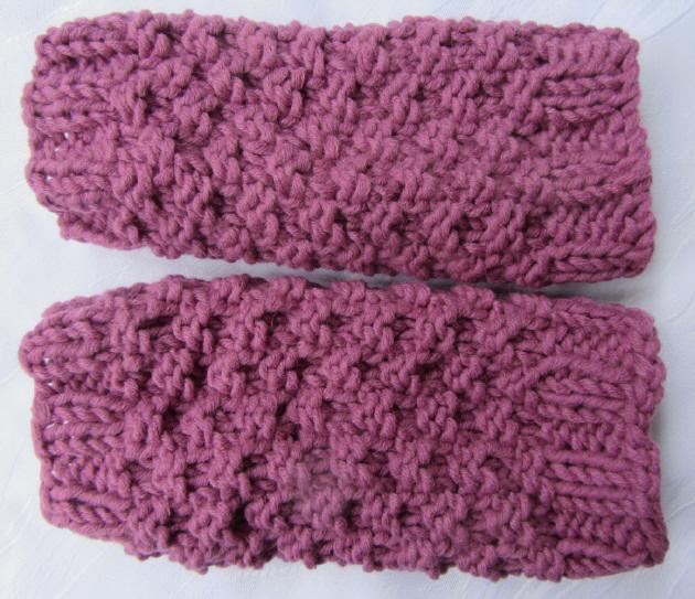 - Handgestrickte Armstulpen Stulpen gestrickt aus Wolle in der Farbe Himbeerrot kaufen - Handgestrickte Armstulpen Stulpen gestrickt aus Wolle in der Farbe Himbeerrot kaufen