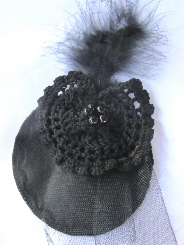 - Handgefertigter Headpiece hergestellt aus verschiedenen Materialien in Schwarz kaufen - Handgefertigter Headpiece hergestellt aus verschiedenen Materialien in Schwarz kaufen