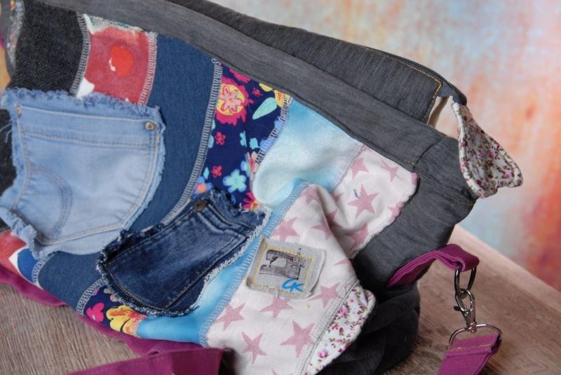 Kleinesbild - Upcycling ★Jeans und Stoff-Streifen Tasche★  Bunt durch die Welt Unikat