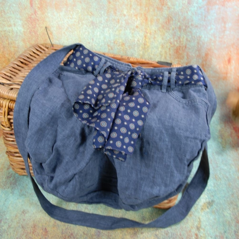 - Upcycling ★Sommerjeans StoffhosenTasche mit Blauem Tuch★ Unikat - Upcycling ★Sommerjeans StoffhosenTasche mit Blauem Tuch★ Unikat