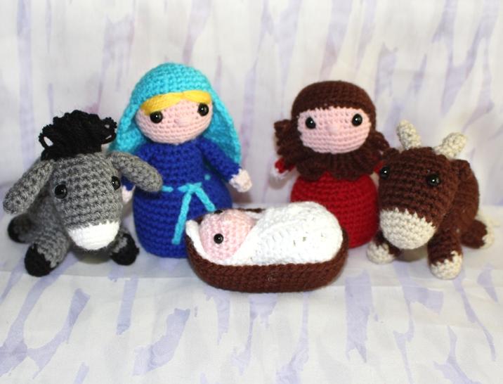 Spielsachen : Krippe komplett 5 Figuren zum Spielen gehäkelt aus Wolle