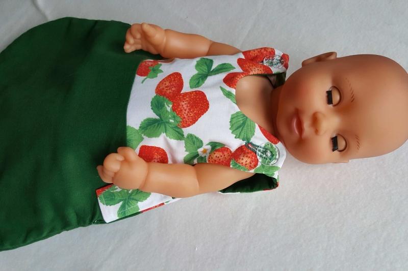 "- Erdbeeren-Puppenschlafsack mit transparenten ""Blubberblasen-Knöpfen"" - Erdbeeren-Puppenschlafsack mit transparenten ""Blubberblasen-Knöpfen"""