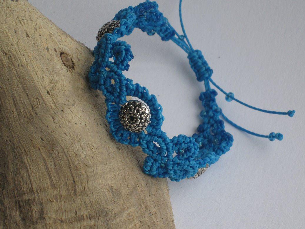 Kleinesbild - Macrame Armband in türkis, Macrameschmuck, micro Macrame, Bracelet