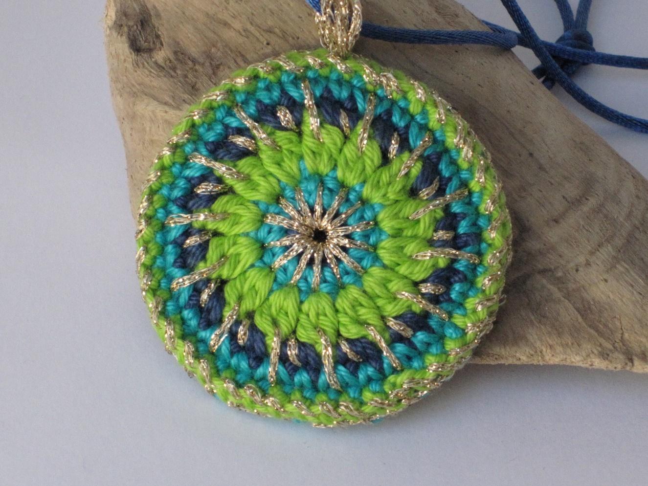 Kleinesbild - Gute Laune Häkelkette, Häkelmandala, Textilschmuck, Halskette