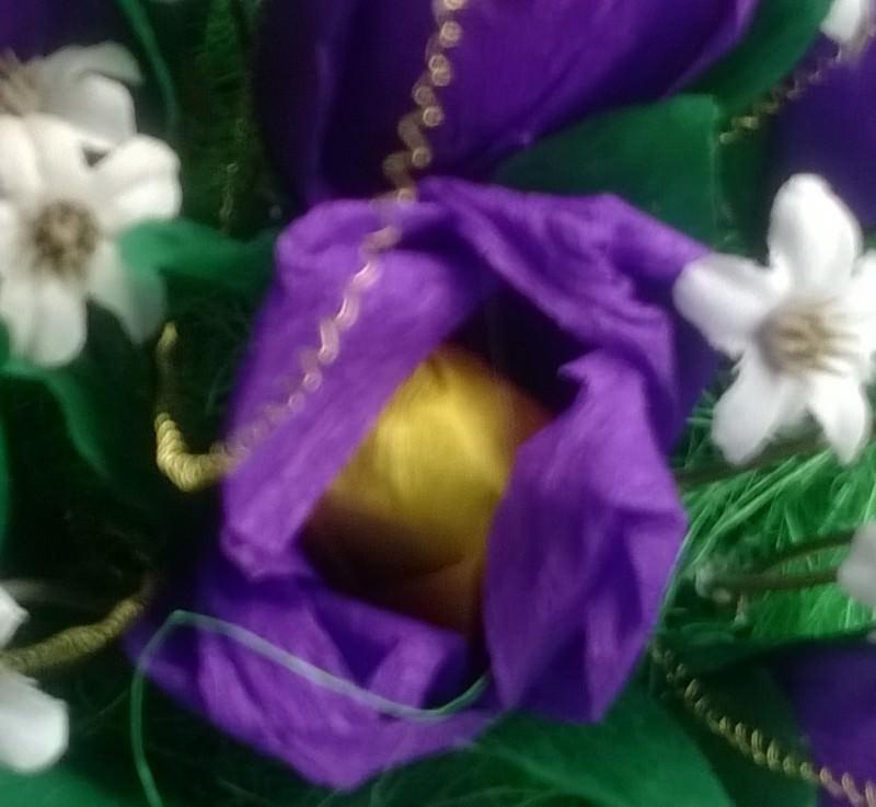 Kleinesbild - Blumenstrauß mit Süßigkeiten