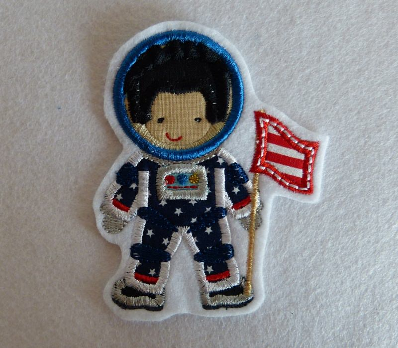 - Applikation, gestickter Aufnäher , Stickapplikation  Astronaut