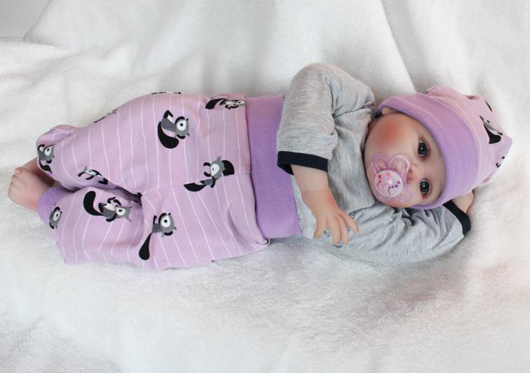 Kleinesbild - süßes Bio Babyset aus Jersey mit Eichhörnchen bestehend aus Mützchen und Hose von T.E.Atime