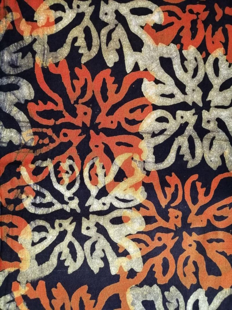 Kleinesbild - Afrikanischer Batikstoff aus Ghana In Schwarz, Orange und Naturfarben