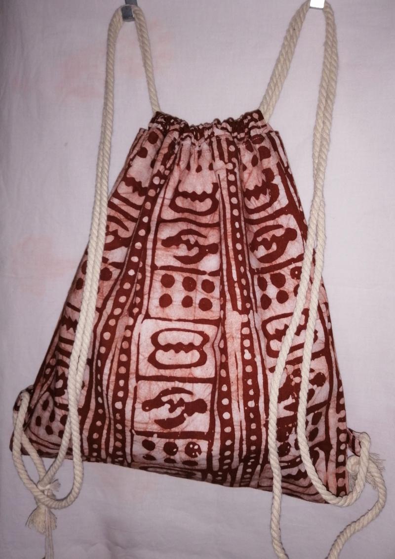 Kleinesbild - Turnbeutel aus handgebatiktem Baumwollstoff in tollen afrikanischen Farben: Kupfer und Weiss