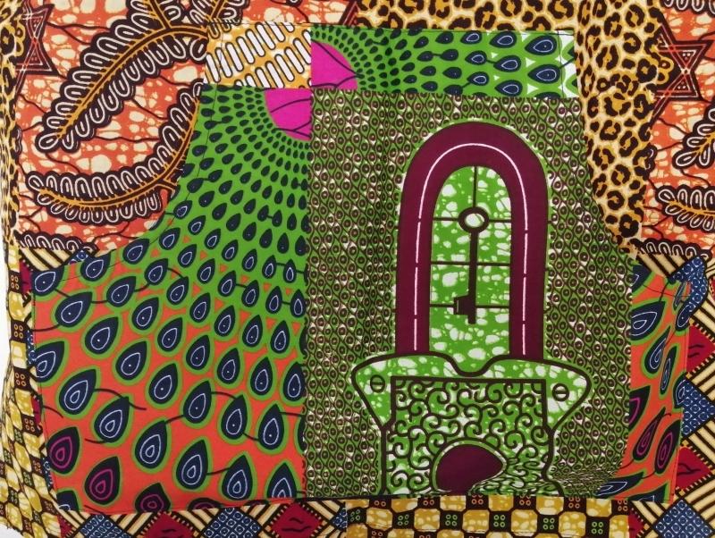 Kleinesbild - Farbenfrohes afrikanisches Shirt mit Kängurutasche
