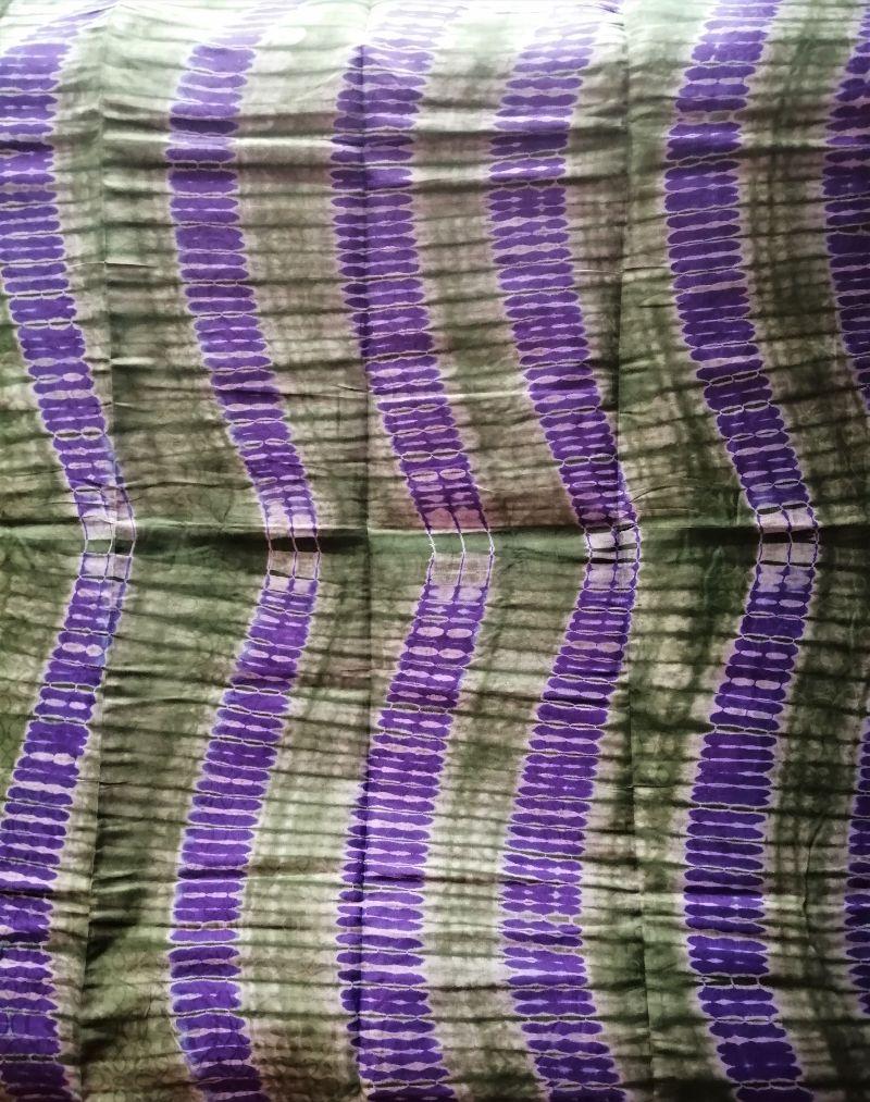 - Afrikanischer Batikstoff aus Ghana in Grün und Lila - Afrikanischer Batikstoff aus Ghana in Grün und Lila