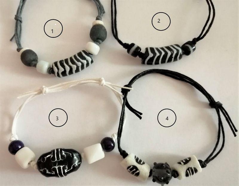 - Tolle Armbänder aus handgefertigten afrikanischen Glasperlen in Schwarz und Weiss - Tolle Armbänder aus handgefertigten afrikanischen Glasperlen in Schwarz und Weiss