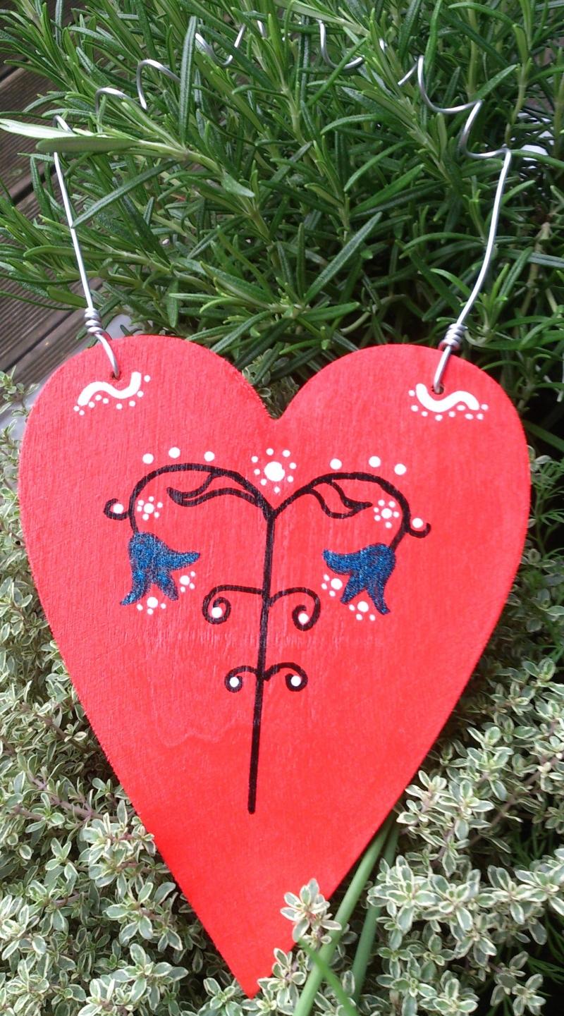 - Holzherz Herz aus Holz zum Aufhängen bemalt, in rot  - Valentinstag - Holzherz Herz aus Holz zum Aufhängen bemalt, in rot  - Valentinstag