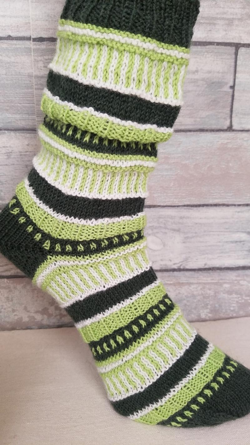 Kleinesbild - handgestrickte Socke , Gr.38/39, Farb und Mustermix, Grüntöne