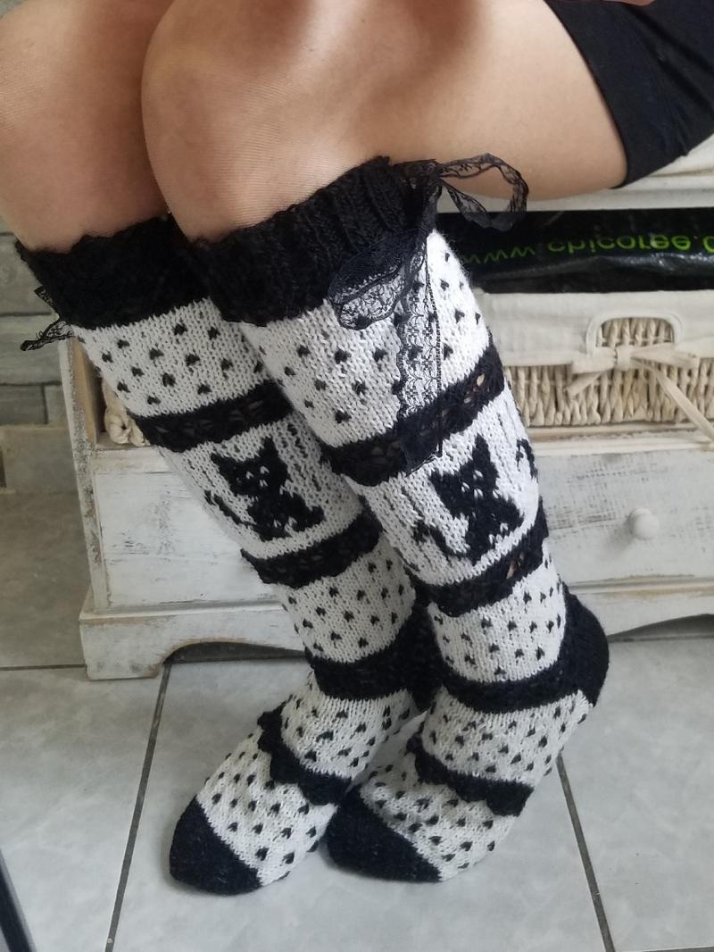 - handgestrickte Kniestrümpfe, Cat, Knee tight Socks,Gr.38/39,Schwarz/ Weiß   - handgestrickte Kniestrümpfe, Cat, Knee tight Socks,Gr.38/39,Schwarz/ Weiß