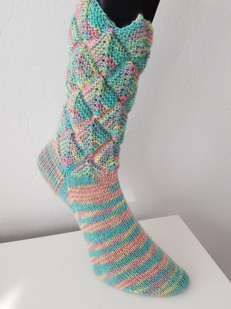 Kleinesbild - handgestrickte Socke Zacken-Patchwork Gr.40/41 Pastellfarben