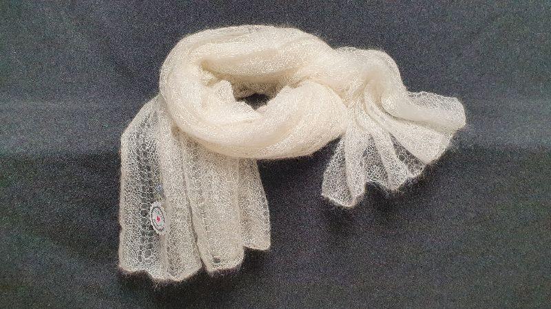 Kleinesbild - handgestrickte hauchzarte Stola für die Braut in weiß - Unikat