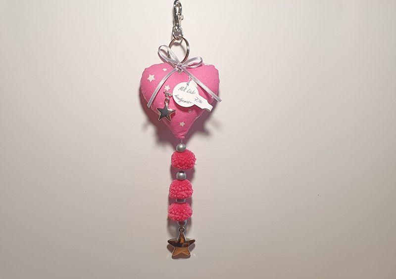 - genähter Taschenbaumler in Herzform - pink, weiß, silber - mit Sternen - genähter Taschenbaumler in Herzform - pink, weiß, silber - mit Sternen