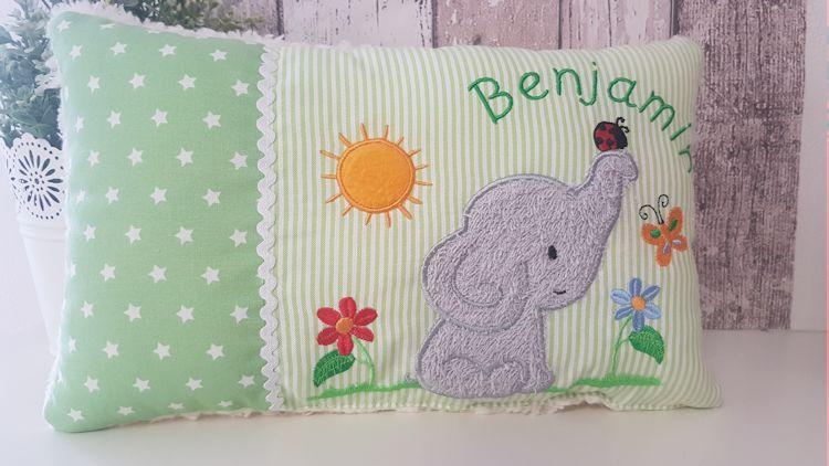- Kuschelkissen, Schmusekissn Namenskissen mit Elefantenmotiv in grün, Elefantenliebe - Kuschelkissen, Schmusekissn Namenskissen mit Elefantenmotiv in grün, Elefantenliebe