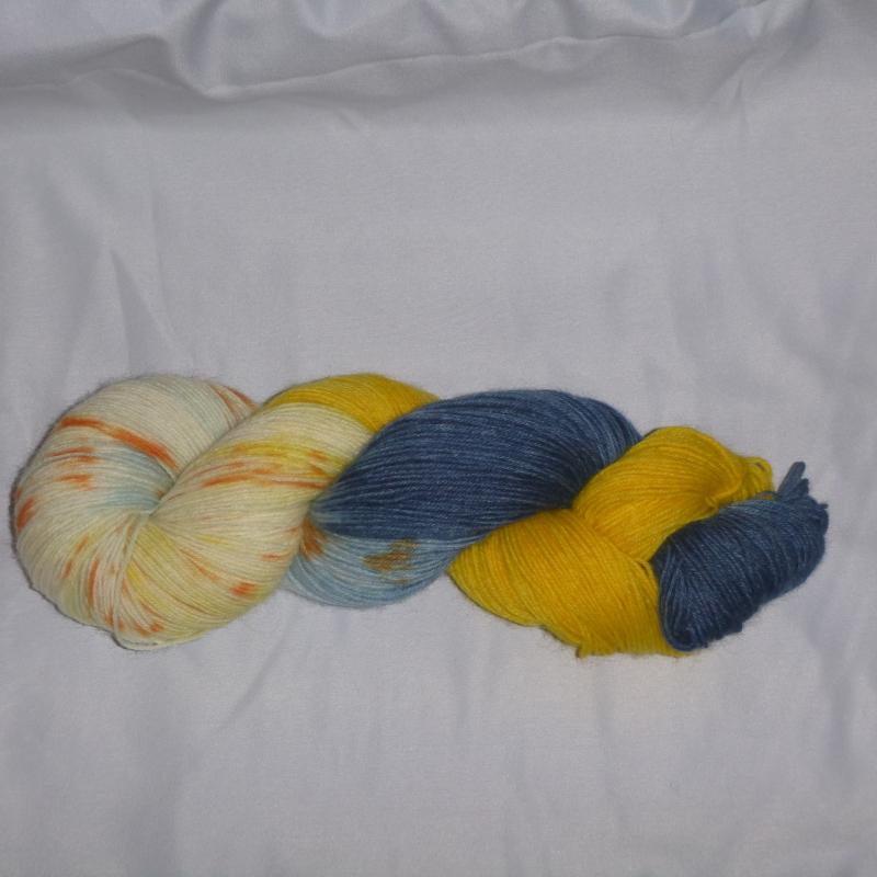 Kleinesbild - Handgefärbte Sockenwolle (4-fädig) Yellow Submarine