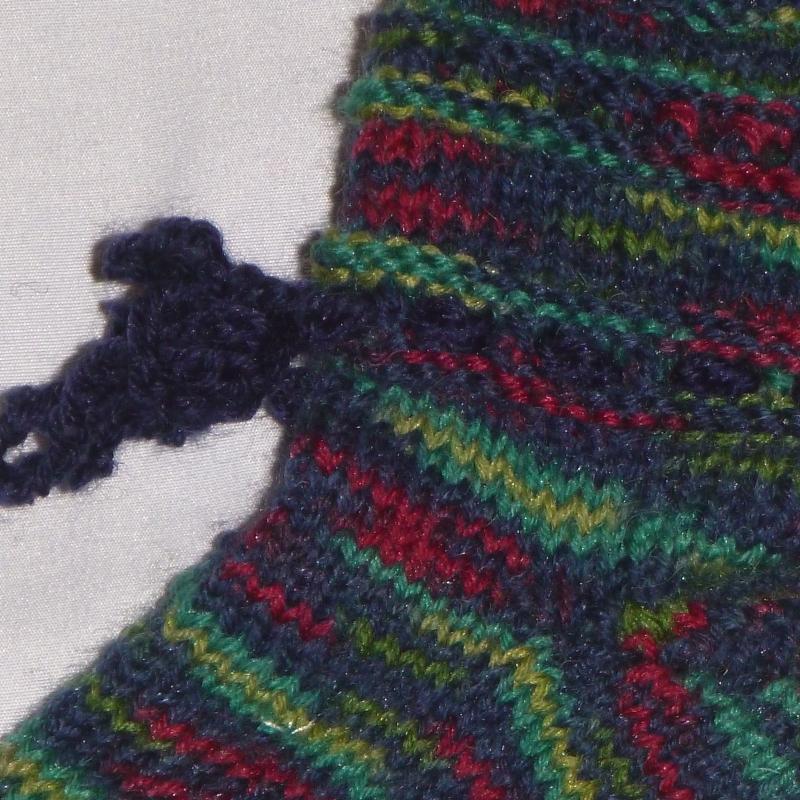 Kleinesbild - handgestrickte Baby-Socken mit Binde-Band in dunkel bunt 18/19