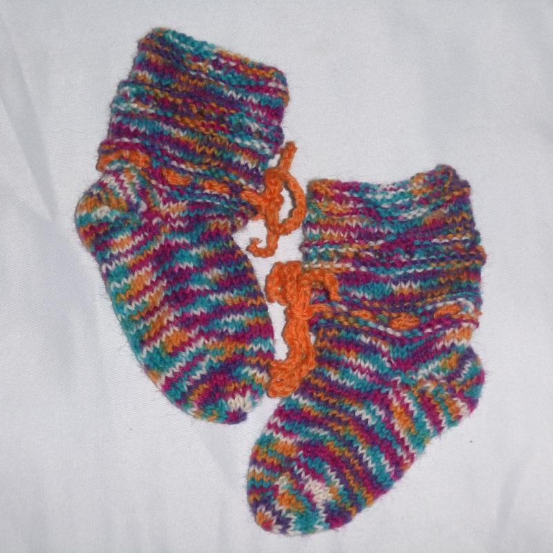Kleinesbild - handgestrickte Baby-Socken mit Binde-Band in  bunt 14/15