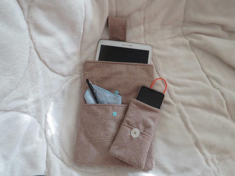 Kleinesbild - Mobile set: Taschen für Tablet und Smartphone im gleichen Look
